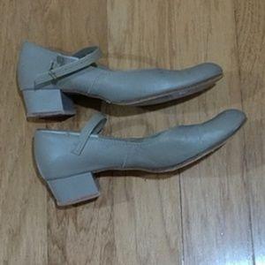 Capezio leather  jazz shoes tan 5